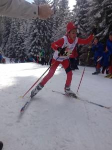 Jillian Stiel beim kräftezerrenden Lauf am Berg